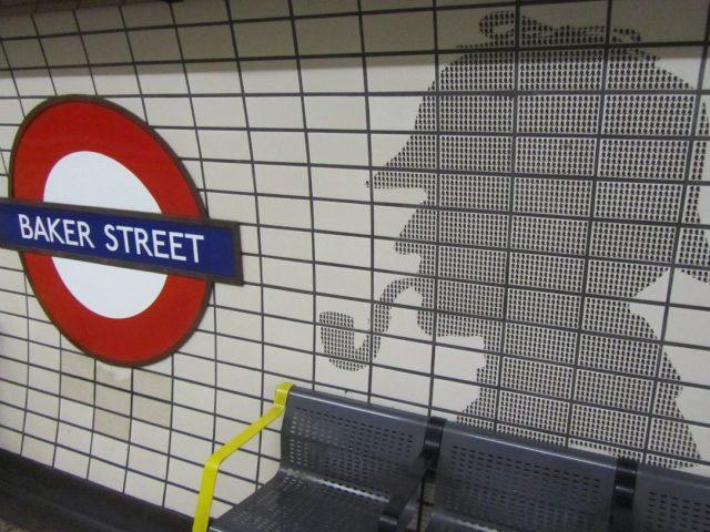 Die-Baker-Street-Ubahn-im-Zeichen-von-Sherlock-Holmes-1084x813
