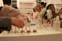 Getting slick with Glossier